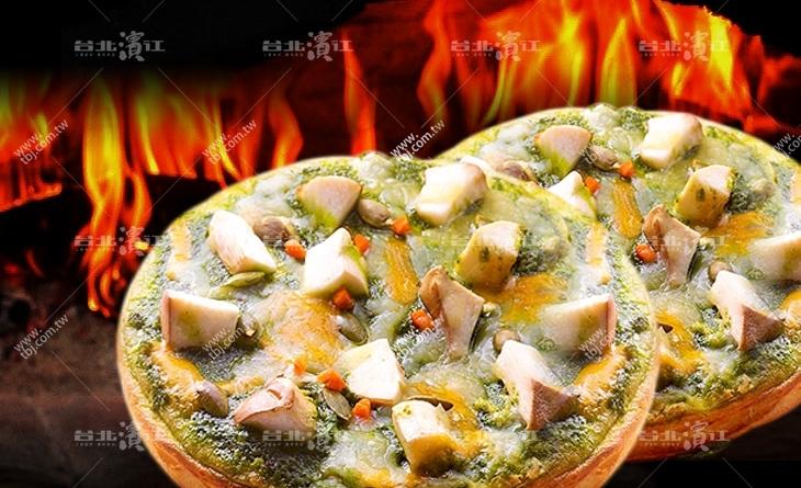 【台北濱江】九層塔與核果的香氣充滿口腔~鹹香口味超特別!厚皮-塔香杏核果比薩6吋/包