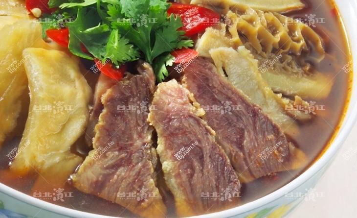 【台北濱江】几好食!忍不台北 市 市場 美食住多扒上一碗白飯~軟嫩微辣好入口~紅燒牛雜1.2kg/包