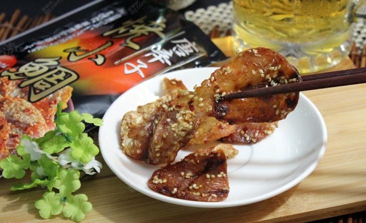 【台北濱江】特選小鯛佐白芝麻,以獨特醬料炭烤,香脆甜而不膩台北 市場 美食-小島辣味芝麻小鯛28g/包