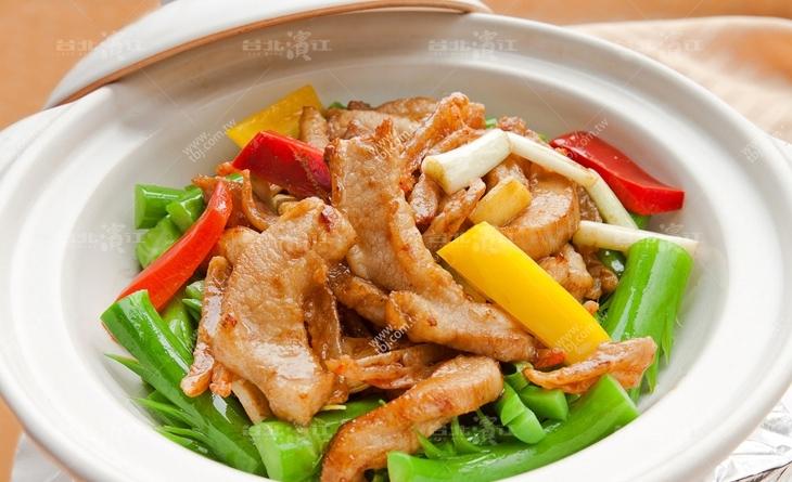 【台北濱江】取自於後腿肉,瘦肉美食 旅遊含量較多,香Q滑嫩美味順口-香草豬調味豬柳300g/包