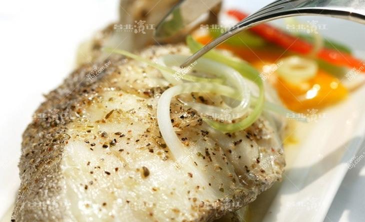 【台北濱江】媽媽最愛的好味道~雪白滑嫩口感綿密~頂級格陵蘭鱈魚中段超厚切 500濱江 市場 停車場g/片