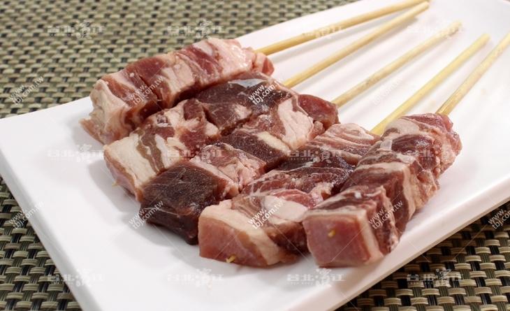 【台北濱江】烤肉必敗~日式料理店的最愛!日式鳥取燒濱江 烤肉肉串-羔羊雪花肉4串/包